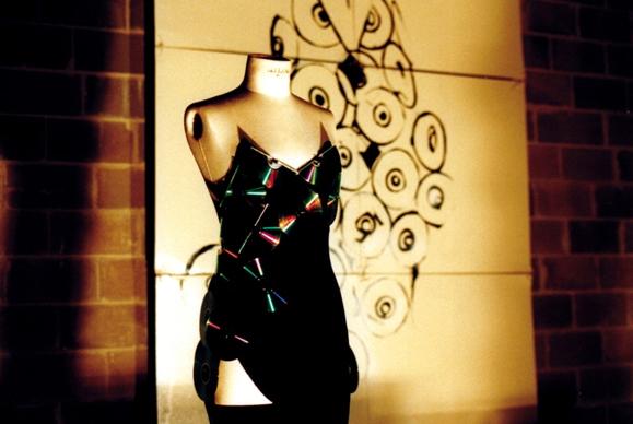 Per la società contemporanea questi vestiti hanno a che fare con la musica